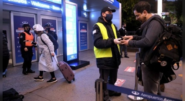 Argentina suspende vuelos internacionales a USA, Brasil, México y Europa
